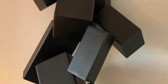 sculptures design cubesfalling